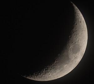 Mond am 24.03.2015