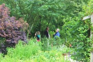 Gerda Kruse-Pranger (rechts) gab den Besuchern gerne Auskunft